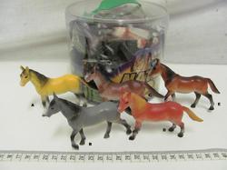 Kůň 10cm 5barev (18ks/tuba)